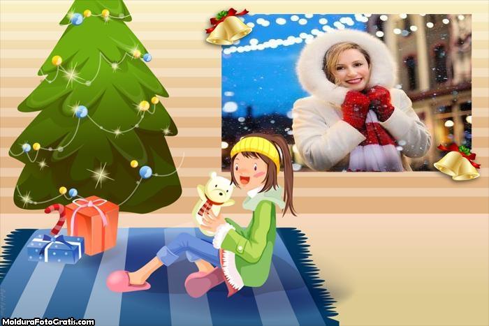 Garotinha Abrindo Presentes de Natal